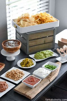 Nacho Bar Ideas – The BEST Toppings for Nachos at this Party! Nacho Bar Ideas – The BEST Toppings for Nachos at this Party!,Party Tips Nacho Bar Ideas! She said this was so easy,. Super Bowl Party, Nacho Bar, Taco Bar Buffet, Food Buffet, Party Buffet, Party Food Bars, Snacks Für Party, Bar Food, Party Appetizers