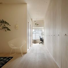 Apartment in Kitasando by Minorpoet. Apartment in Kitasando is a minimal interior located in Tokyo Japan designed by Minorpoet. Interior Design Examples, Best Interior Design, Interior Design Inspiration, Japanese Living Rooms, Japanese House, Japanese Bedroom, Apartment Renovation, Apartment Interior Design, Japan Apartment