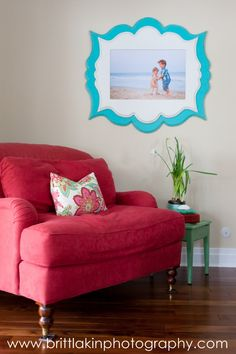 Great example of using color ina room and styling a shoot to hang beautifully in a particular space. Using Organic Bloom frames available in a wide variety of paint colors through professional photographers. Photo Displays, Display Photos, Display Ideas, Picture Frame Arrangements, Organic Bloom Frames, Colorful Frames, Cozy Chair, Inspiration Wall, Diy Frame