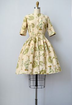 vintage 1950s rooster print day dress | Town & Country Dress