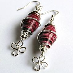 Wire wrapped paper bead earrings. I love how shiny the beads are! I need to try | How Do It