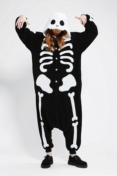Kigurumi skeleton costume - so cozy, you might want to wear it as PJs after Halloween. Em for you for Halloween! Halloween Costumes, Halloween Halloween, Vintage Halloween, Halloween Makeup, My Chemical Romance, Playing Dress Up, Urban Outfitters, Onesies, Cute Outfits