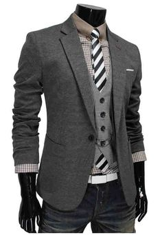 Nice fall time casual wool blazer w/vest and tie.