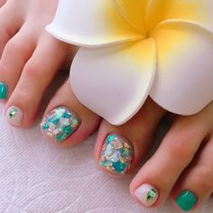 nail shapes and lengths Sparkle Pedicure Nail Art, Pedicure Designs, Toe Nail Designs, Toe Nail Art, Acrylic Nail Shapes, Cute Acrylic Nails, Cute Pedicures, Encapsulated Nails, Cute Toe Nails
