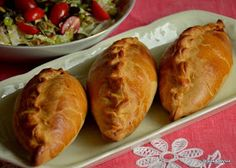 Mozaika życia: Kibinai z uproszczonym farszem Hot Dog Buns, Baked Potato, Dinner Recipes, Food And Drink, Bread, Baking, Ethnic Recipes, Cooking, Brot
