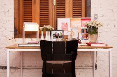 Cadeira Uma, Desk Space e Luminária Robô. Gostou? Acesse www.oppa.com.br