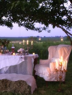 Romantic dinner al fresco Image Via: Bohemia Design Outdoor Dining, Outdoor Spaces, Indoor Outdoor, Outdoor Decor, Romantic Picnics, Romantic Dinners, Bohemia Design, Shabby Chic, Al Fresco Dining