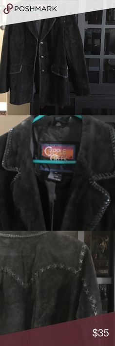 Women's jacket. Firm price. 😊 Black beautiful swede jacket.  Worn a few times. Excellent conditions. No stains or any kind. Back and sleeves has stitching which is very pretty. Smoke free home. Been in cider in s covered bag. Firm price. 💕💚😘 Cripple creek Jackets & Coats Pea Coats