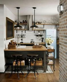 Modern Kitchen Interior 40 Admirable Small Apartment Kitchen Decor Ideas s Small Apartment Kitchen, Small Apartment Decorating, Home Decor Kitchen, New Kitchen, Home Kitchens, Kitchen Ideas, Kitchen Small, Ranch Kitchen, Country Kitchen