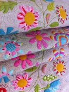 Applique Flower Quilt by mangozz Applique Patterns, Applique Quilts, Quilt Patterns, Applique Ideas, Hand Applique, Patchwork Quilting, Flower Applique, Longarm Quilting, Colchas Quilt
