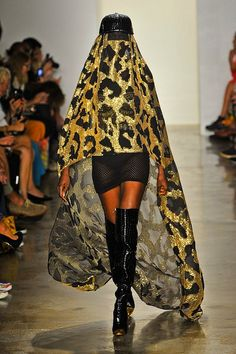 Sfilata Jeremy Scott New York - Collezioni Primavera Estate 2013 - Vogue Jeremy Scott, Daily Fashion, Fashion Show, Fashion Design, Nyc Fashion, Fashion Women, Glamour, Fashion Images, Fashion Fabric