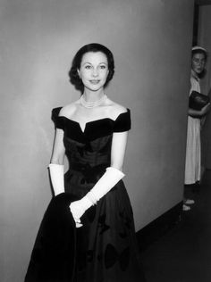 Vivien Leigh, 1950s, and unidentified lurking lady