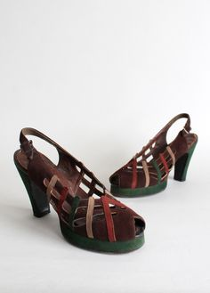 Vintage 1940s Fall Colors Suede Platform Sandals. #vintage #shoes #heels #sandals #1940s #autumn