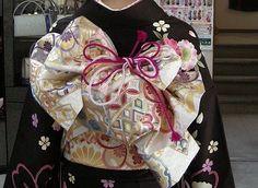 Yukata, Japanese Kimono, Japanese Culture, Dress Making, Asian Beauty, Scene, Wedding Dresses, Traditional Clothes, Kimonos