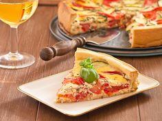 La torta salata alle verdure è un piatto rustico con un ripieno di verdure ottimo anche per i più piccoli. Vediamo come prepararlo