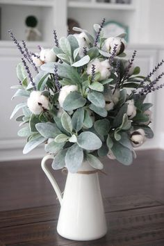 Farmhouse Decor~Cotton Arrangement~Table Centerpiece~Lamb's Ear~Lavender and Cotton in a White Pitcher Lamb's Ear, cotton and lavender. The perfect combination. Farmhouse Style, Farmhouse Decor, Farmhouse Ideas, Modern Farmhouse, Farmhouse Table Centerpieces, Kitchen Modern, Farmhouse Garden, Modern Country, Country Style