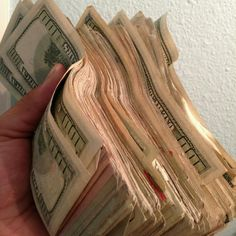 I am a rich and powerful money magnet Mo Money, How To Get Money, Cash Money, Money Bank, Aide Financiere, Argent Paypal, Money On My Mind, Money Stacks, Wealth