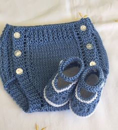 Ideas For Crochet Baby Boy Booties Pattern Photo Props Knitting Patterns Boys, Knitting For Kids, Crochet For Kids, Crochet Patterns, Sweater Patterns, Crochet Ideas, Crochet Scarf Diagram, Crochet Poncho, Crochet Baby Hats