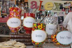 Great idea for the teenage birthday party Graduation Party Themes, College Graduation Parties, Graduation Celebration, Graduation Decorations, Grad Parties, Graduation Ideas, Graduation 2016, Graduation Centerpiece, Graduation Open Houses