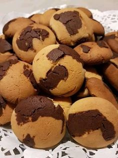 Food Gallery, Breakfast Snacks, Dessert Recipes, Desserts, Greek Recipes, Confectionery, Chocolate Cake, Biscuits, Muffin