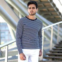 32€ - T-shirt marinière coton manches longues bleu marine. [Look printemps-été] La marinière, pour un style casual-chic.  <br>