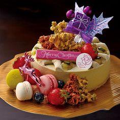 """""""味の名脇役""""を随所にいかした演出。【柏店23日・24日店頭お渡し】【高島屋限定】Pixy ピクシー Japanese Christmas Cake, Christmas Goodies, Christmas Cakes, Pastry Art, Dessert Bread, C'est Bon, Sweet Desserts, Holiday Baking, Birthday Cake"""