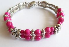 pink bracelet with flowers handmade with love by Linskeslovelythings, €8.00