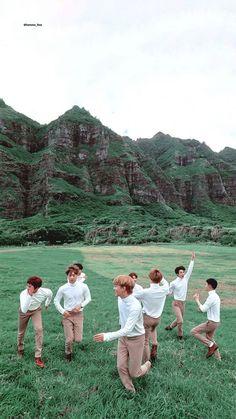 /Lockscreen/ collect by Baekhyun Chanyeol, Park Chanyeol, Exo Group Photo, Exo Chen, Exo Kokobop, Exo Lockscreen, Exo Korean, Exo Memes, Kpop Exo