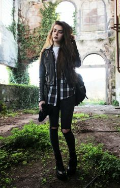 Grunge fashion & style. More in http://grungeclothesshop.com/