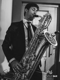Coole Saxofonmusik für Veranstaltungen. Saxophone Music, Piano, Music Instruments, Musik, Musical Instruments, Pianos