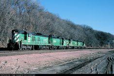 RailPictures.Net Photo: BN 6183 Burlington Northern Railroad EMD SD9 at Omaha, Nebraska by Chuck Schwesinger