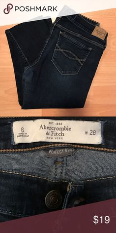 Abercrombie & Fitch Jeggings Rinse Wash Abercrombie & Fitch Jeggings Rinse Wash, they have seen some love but they are still in great condition and have a lot of wear left in them! Size 6. Abercrombie & Fitch Jeans Skinny