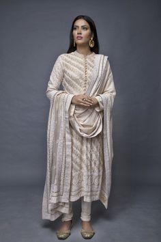 Anjul Bhandari- Aila Pakistani Fashion Party Wear, Pakistani Dress Design, Pakistani Dresses, Indian Dresses, Indian Outfits, Indian Fashion, Indian Attire, Indian Wear, Indian Salwar Suit