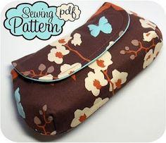 Cute clutch. Free pattern! @Eulalia Ramirez Ramirez Santos