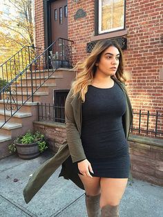 Every girl's dream is having adorable and fashionable looks. Even plus size women are not an exception. Curvy women don't […] Autumn Look, Fall Looks, Looks Plus Size, Look Plus, Curvy Girl Fashion, Plus Size Fashion, Fashion For Chubby Ladies, Fashion Fashion, Fashion Trends