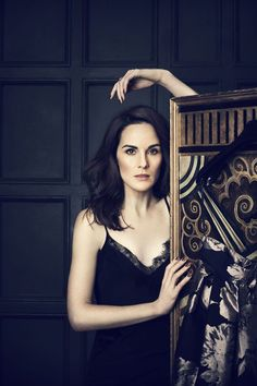Michelle Dockery speaks to Vogue about red-carpet dressing, her favourite films and the TK Maxx Give Up Clothes Campaign. Lady Mary Crawley, Michelle Dockery, Juan Diego Botto, Gentleman Movie, Dramatic Classic, Prettiest Actresses, Tk Maxx, British Actors, Fashion Pictures