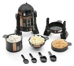 Exclusive Star Wars R2-Q5 Measuring Cup Set - if these ever stock again, BUYING.