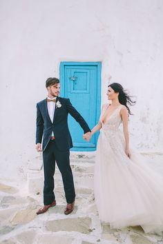 Gorgeous ball gown wedding dress in Mykonos Greece | #wedding #bridal #bride #weddingdress #weddingstyle #ballgown #princess #weddinggown #bridalfashion #greecewedding #greece #mykonos