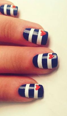 Tutorial: Nautical Nails!