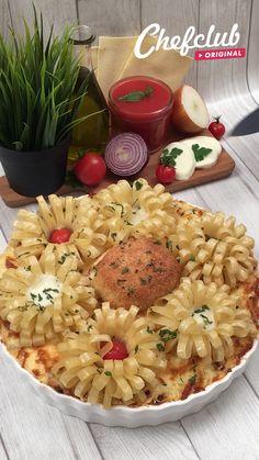 Food Crafts, Diy Food, Food Platters, Food Dishes, Holiday Recipes, Dinner Recipes, Food Garnishes, Food Decoration, Creative Food