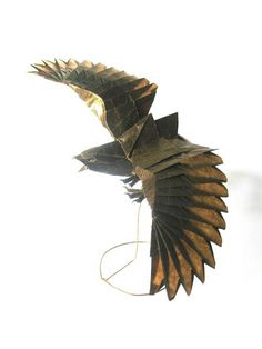 The beautiful origami creations by Vietnamese paper artist Nguyen Hung Cuong, based in Hanoi, who makes animals and insects with remarkable accuracy and detail Origami And Kirigami, Diy Origami, Origami Tutorial, Hanoi, Origami Eagle, Nguyen Hung, Origami Decoration, Traditional Japanese Art, Origami Animals