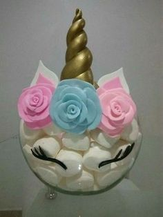 Perfecto para una fiesta infantil, unicorn center piece great for lularoe events or any unicorn themed party that could use an inexpensive diy creative idea for a unicorn centerpiece party decorations Unicorn Themed Birthday, Girl Birthday, Birthday Cake, 1st Birthday Parties, Birthday Party Decorations, Birthday Ideas, Girl Parties, Cake Decorations, Pyjamas Party