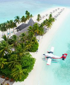 Maldives sandbar Visit Maldives, Maldives Travel, Maldives Hotels, Travel The World For Free, Free Travel, Best Travel Credit Cards, Destination Voyage, Destination Weddings, Vacation Places