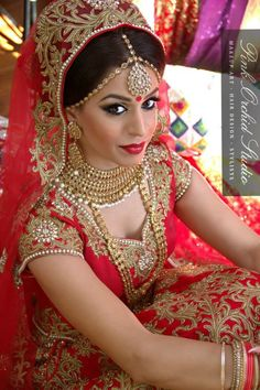 Brides are incomplete without kundan jewellery.. Picture Courtesy : Pink Orchid Studio