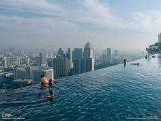 La piscine infinie du Marina Bay Sands Resort, Singapour