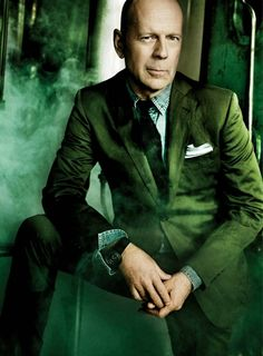 Bruce Willis wearing and Emerald colored suit. #OPPO #Emerald #ColorOfTheYear