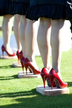 stepping stones for bridesmaids to stand on during outdoor weddings so their heels don't sink into the ground.