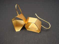 Ohrringe Gold geometrisch n°14 - Letizia Plankensteiner –Schmuckunikate Wien: Eheringe, Goldschmuck, Silberschmuck, Schmuckkunst