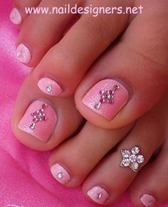 Nail art design has never been more exciting with so many possibilities for making beautiful nails. Now all the creative, funky, naughty girls can go for the most unbelievable nail art designs on their nails Pink Toe Nails, Simple Toe Nails, Pretty Toe Nails, Pink Toes, Fancy Nails, Love Nails, Pretty Toes, Toenail Art Designs, Pedicure Designs