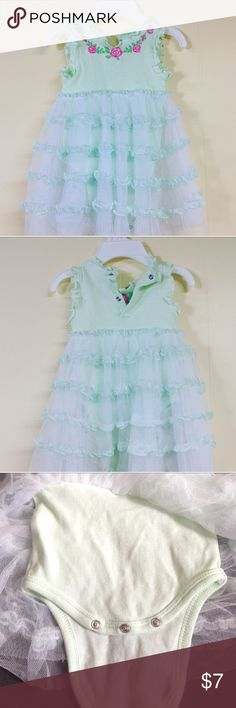 Baby girl outfit Cute green baby girl outfit  size 0-3 month Solf fabric Dresses Formal